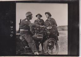 A.T.S. IN  NORMANDY  1944 MOTO  9*6CM GUERRE BRITISH ARMY WW2 LIBERACION CROWN PHOTOGRAPH - Krieg, Militär