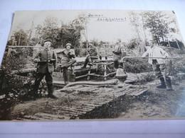 CARTE PHOTO SOLDATS  ALLEMAND AU REPOS AUX CUISINES - 1914-18