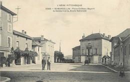 "/ CPA FRANCE 38 ""Saint Marcellin, Place Château Bayard"" - Saint-Marcellin"