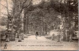 29 KERIOLET - La Grande Avenue Du Parc Les Deux Molosses Pompeiens    * - Autres Communes