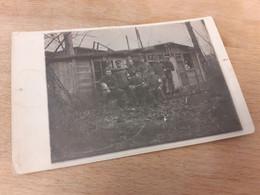 OFFIZIERE SOLDATEN VOR UNTERSTAND - SANITAETSPOSTEN - 1917 - ROTES KREUZ - KATZE - VON MEINEM LIEBEN FRITZ - Guerra, Militares
