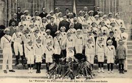 """E 3651 -""""  La Patriote """" Du Patronage Jeanne D'Arc De Chatillon- Sur- Indre (36) Groupe D'Enfants Et Adultes - Groupes D'enfants & Familles"""