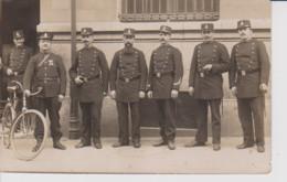 75 – PARIS – CARTE PHOTO – GROUPE DE POLICIERS – CHAMBRE DES DEPUTES – (circulée 1910) - Artigianato Di Parigi