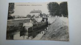 Carte Postale ( FF8 ) Ancienne De Charenton Cher , L écluse Et La Gare - Altri Comuni