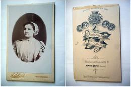 PHOTO CDV 19 EME JEUNE FEMME TYPIQUE COIFFE MODE Cabinet ALLARD A NARBONNE - Old (before 1900)