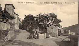 30. GARD // SAINT JEAN DE VALERISCLE// ENTREE DU VILLAGE .ANIMEE - Other Municipalities