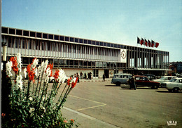 CPM Orléans La Gare - Gares - Sans Trains