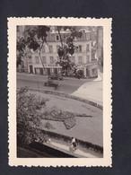 Photo Originale  Boulogne Sur Mer Parterres Fleuris Vus Des Remparts Oldtimer Cars Voitures  Maison Du Papier Peint - Places