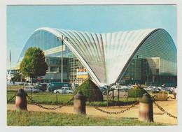 75 Paris Le Palais Du CNIT N°168 Puteaux Rond Point De La Défense Renault Dauphine Simca Aronde - Puteaux