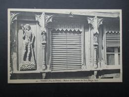 CP FRANCE (V2102) THIERS 63 (2 Vues) Maison De L'Homme Des Bois (Moyen Âge) N°42 - Thiers