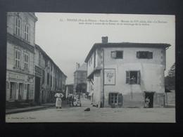 CP FRANCE (V2102) THIERS 63 (2 Vues) Rue Du Moutier - Publicité LU Lefevre Utile - Grains Boiteux Payet N°67 - Thiers
