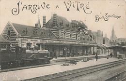 Train Gare Avec Train Locomotive à Vapeur J' Arrive à Vitré Bon Souvenir Cpa  Cachet Vitre 1914 Correspondance Militaire - Stazioni Con Treni