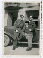 Snapshot Superbe Militaire INNSBRUCK Autriche Landhaus 40s Post WW2 Voiture à Identifier - Krieg, Militär