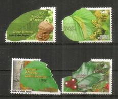 Timbres Andorre Imprimés En Forme De Feuille D Arbre ! Andorra Stamps Printed In The Shape Of A Tree Leaf !. Neufs/mint - Alberi