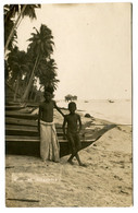RC 20622 SINGAPOUR VIEW OF SINGAPORE TWO MALAY BOYS ABD BOATS REAL PHOTO POSTCARD - Singapore