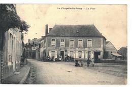 CPA   LA CHAPELLE ST- REMY   La Place  , Hotel Du Cheval Blanc - Autres Communes
