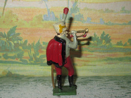 SOLDAT DE PLOMB CREUX - SOLDAT HUSSARD DE L EMPIRE SONNANT LE CLAIRON - FABRICATION FRANCE - Soldados De Plomo