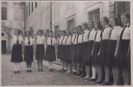 Bayern - Wessobrunn Innenhof BDM-Abordnung Angetreten Privatfoto Ca. 1940 - Zonder Classificatie