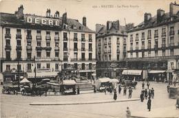 44 - Nantes : La Place Royale Abimée - Nantes