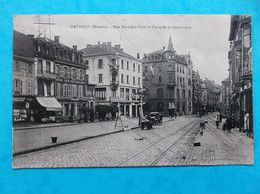57 : HAYANGE : RUE Ml FOCH Et PLACE De La REPUBLIQUE,  Animé  , CPA , En Bon état - Hayange