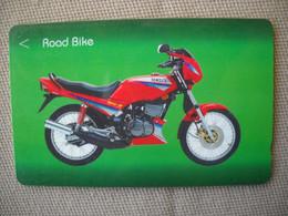 6904 Télécarte Collection  MOTO YAMAHA ROAD BIKE (scans Recto Verso)  Carte Téléphonique Singapour - Moto
