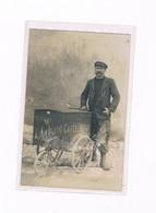 33 BLAYE 1907 CARTE PHOTO CAFES DEBRAY N° 686 ATTELAGE A 3 ROUES LIVREUR - Blaye