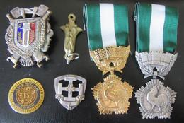 Lot De 6 Médailles Et Insignes Français Dont Coq Argenté Et Doré (collectivités Locales), Pompiers + Divers - Professionals/Firms