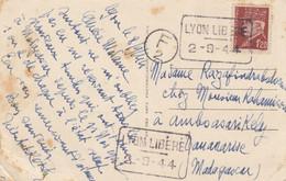 LIBERATION DE LYON. SUR CARTE LYON BELLECOUR. PETAIN SURCHARGE  LYON LIBERE / 2 9 44.  CACHET F/2 - Liberation