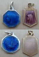 NM-406 Deux  Médailles Octogonale émaillée Bleue Et L'autre Médaille émaillée Rose Lilas - Religion & Esotericism