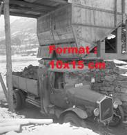 Reproduction Photographie Ancienne D'un Camion Berna Dans La Mine De Charbon De Chandoline Suisse 1942 - Riproduzioni