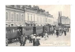 77 - MONTEREAU : Le Petit Chemin De Fer, La Place De La Gare, - Montereau