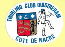 AUTOCOLLANT STICKER - TWIRLING CLUB OUISTREHAM COTE DE NACRE - MAJORETTES - Stickers