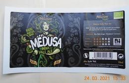 1  ETIQUETTE De BIERE  MEDUSA De La BRASSERIE MELUSINE  (VENDEE)   ( Décollée De La Bouteille) - Bier