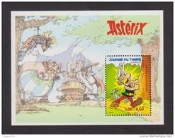 """FRANCE / 1999 / Y&T N° 3228 ** En Bloc Ou BF N° 22 ** (Feuillet """"Astérix"""") X 1 - Mint/Hinged"""