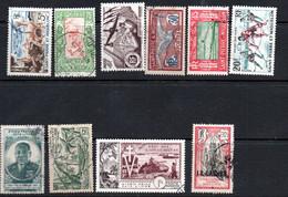 Petit Lot De Timbres Anciens Des Colonies Françaises Hors Afrique - Verzamelingen (in Albums)