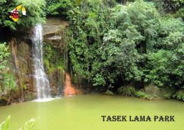 1 AK Brunei * Wasserfall Im Tasek Lama Park In Der Hauptstadt Bandar Seri Begawan * - Brunei