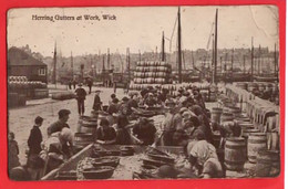 SCOTLAND CAITHNESS   WICK    HERRING GUTTERS AT WORK    RP   FISHING INDUSTRY Pu 1938  SOTLAND EXHIBITION  CANCEL + PMK - Caithness