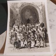 Groupe De Personnes D'ath   F.P.L ATH 1967 A LOURDES PHOTO 23CM/18 CM Avec Toutes Les Signatures à L'arrière - Ath