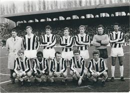 RARE PHOTO - SPORTING DE CHARLEROI - Football - Probablement Années 60 - Dimensions 17.7 / 13 CM - Sports