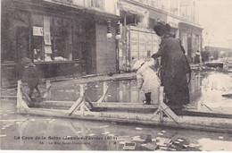 PARIS INONDATIONS DE 1910 CRUE DE LA SEINE LA RUE SAINT DOMINIQUE - Alluvioni Del 1910