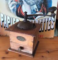 Moulin à Café - PEUGEOT VALENTIGNEY DOUBS - Swizzle Sticks