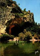 Les Gorges Du Tarn La Grotte De La Momie Dans Les Detroits 1980     CPM Ou CPSM - Gorges Du Tarn