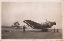 CPA - Junkers 52 - Compagnie Deutsche Lufthansa - Aéroport Du Bourget - 1919-1938