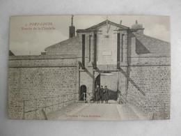MILITARIA - PORT LOUIS - Entrée De La Citadelle (animée) - Barracks
