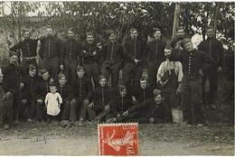 CARTE-PHOTO  : Groupe De Soldats Du 20e BATAILLON DE CHASSEURS à PIED -  BACCARAT (Meurthe-et-Moselle) - Régiments