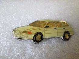 PIN'S      MITSUBISHI   LANCER  BREAK - Mitsubishi