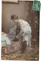 L330A0106 -  Jeune Femme En Train De S'habiller  - NPG N°414/6 - Women