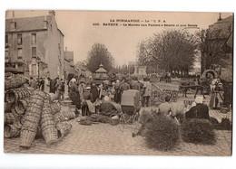 BAYEUX MACHE AUX PANIERS A BEURRE ET BALAIS TRES ANIMEE - Bayeux