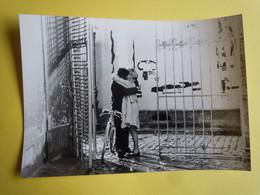 Photo De Presse KIPA - LES PARAPLUIES DE CHERBOURG - Catherine Deneuve - Photographs