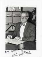 PHOTO GRAND FORMAT 1 - ENV 1 - POLITIQUE - PHOTO DEDICACEE DE L'ANCIEN MINISTRE GEORGE FILLIOUD - Signed Photographs